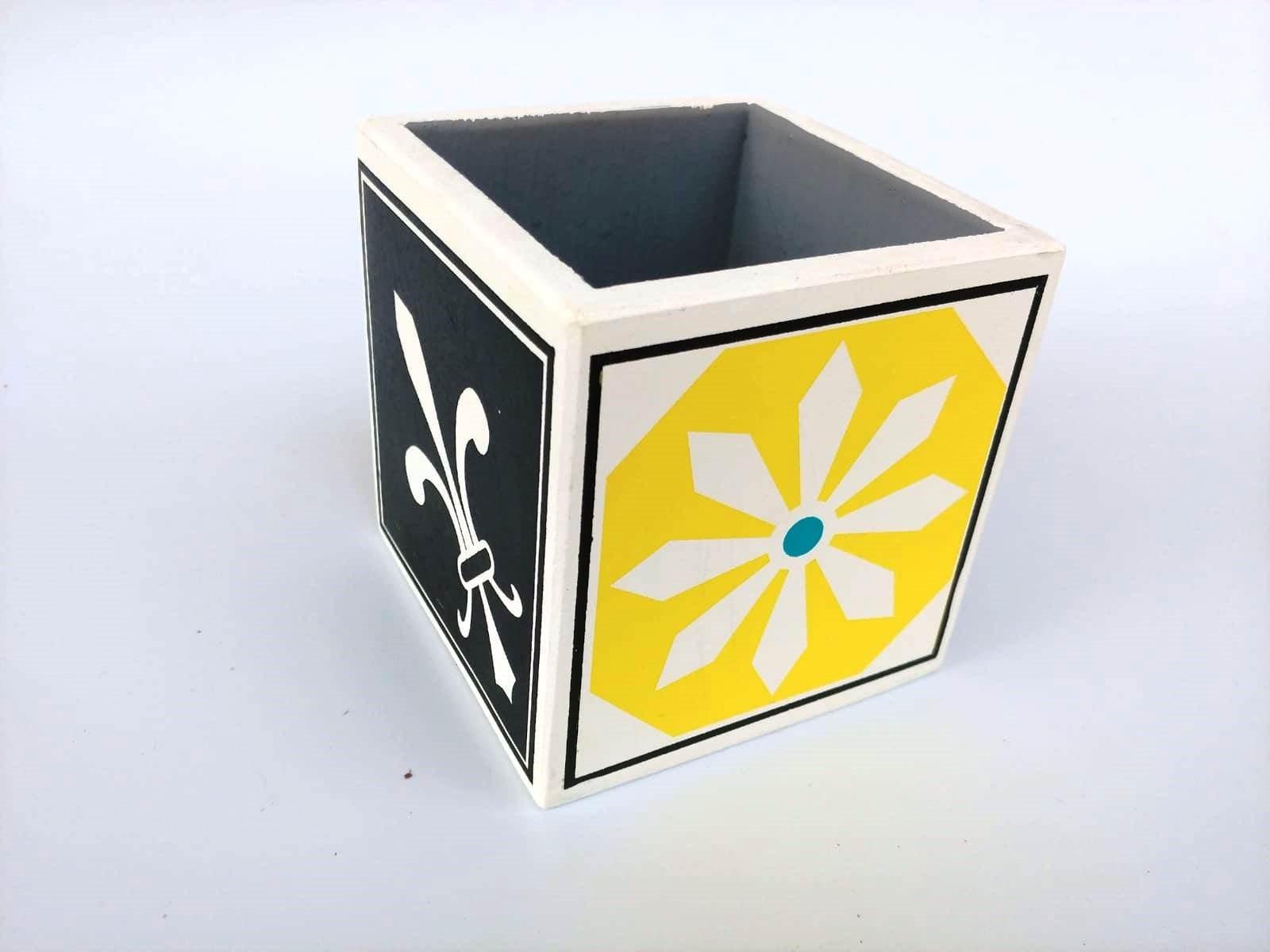 קופסה דגם אריח