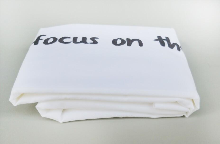 """זוג ציפיות """"focus on the good"""" אפור"""